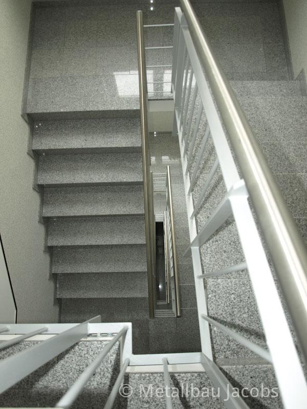 metallbau jacobs absturzsicherungen durch gel nder und handl ufe f r treppen und balkone. Black Bedroom Furniture Sets. Home Design Ideas